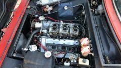 Fiat Dino: il motore V6 ed i carburatori in vista
