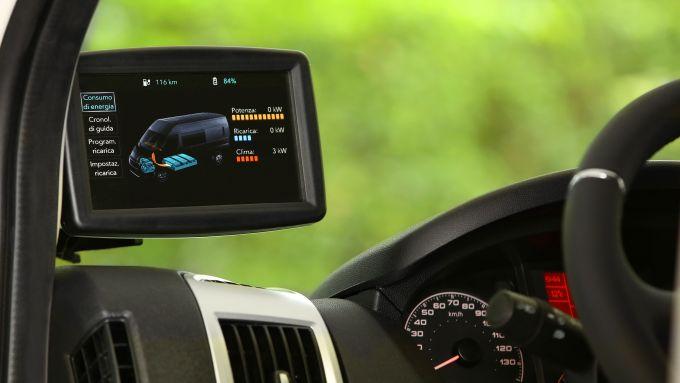 Fiat E-Ducato 2021, interni: 3 modalità di guida