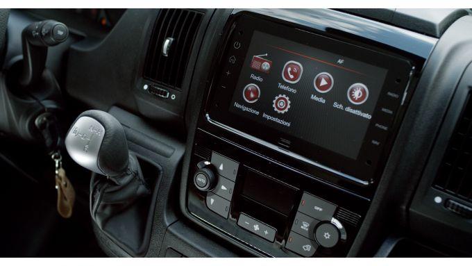 Fiat E-Ducato 2021, interni: il display centrale