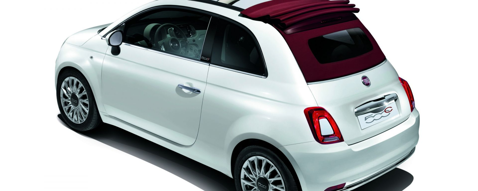 Fiat: Lady Gaga si aggiudica la 500C all'asta per amfAR