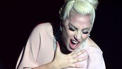 Fiat: Lady Gaga si aggiudica la 500C all'asta per amfAR - Immagine: 2