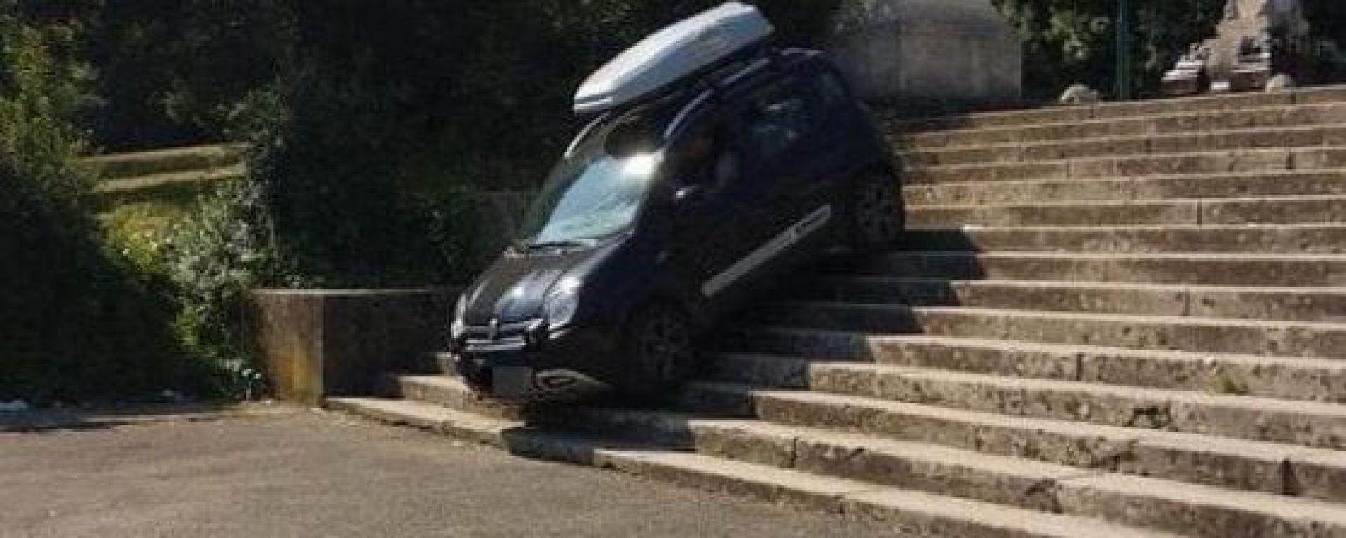 Fiat Panda 4x4 a Villa Borghese