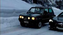 Fiat Panda 4x4 e Ferrari SF90 Stradale a confronto sulla neve