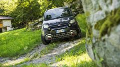 Fiat Panda Cross m.y. 2017: si può scegliere tra i benzina 1.2 da 69 cv e TwinAir da 105 cv e il diesel Multijet da 95 cv