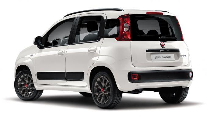 Fiat Panda Easy Hybrid con il nuovo motore 3 cilindri Firefly ibrido leggero