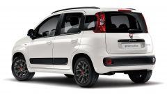 Fiat Panda Easy Hybrid: vista 3/4 posteriore