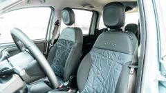 Fiat Panda Hybrid City Cross: i vivaci e comodi sedili anteriori