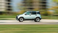 Fiat Panda Hybrid City Cross: una passaggio in velocità della Fiat