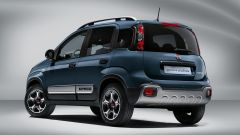 Fiat Panda Hybrid City Cross: una vista posteriore della nuova Cross