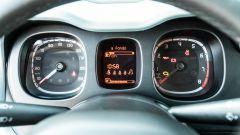 Fiat Panda Hybrid vs Suzuki Ignis Hybrid: il cruscotto con l'indicatore dello stato di carica della batteria