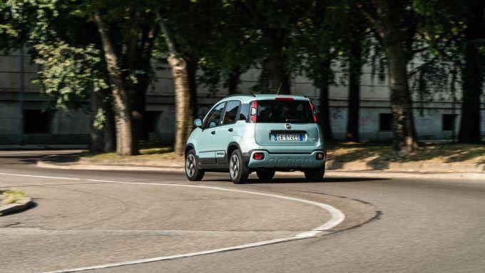 Fiat Panda Hybrid vs Suzuki Ignis Hybrid: la Pandina è comoda in città, ma anche fuori