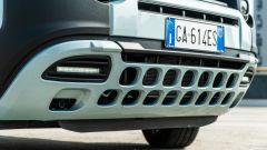Fiat Panda Hybrid vs Suzuki Ignis Hybrid: la piastra forata della Panda e le luci diurne a LED