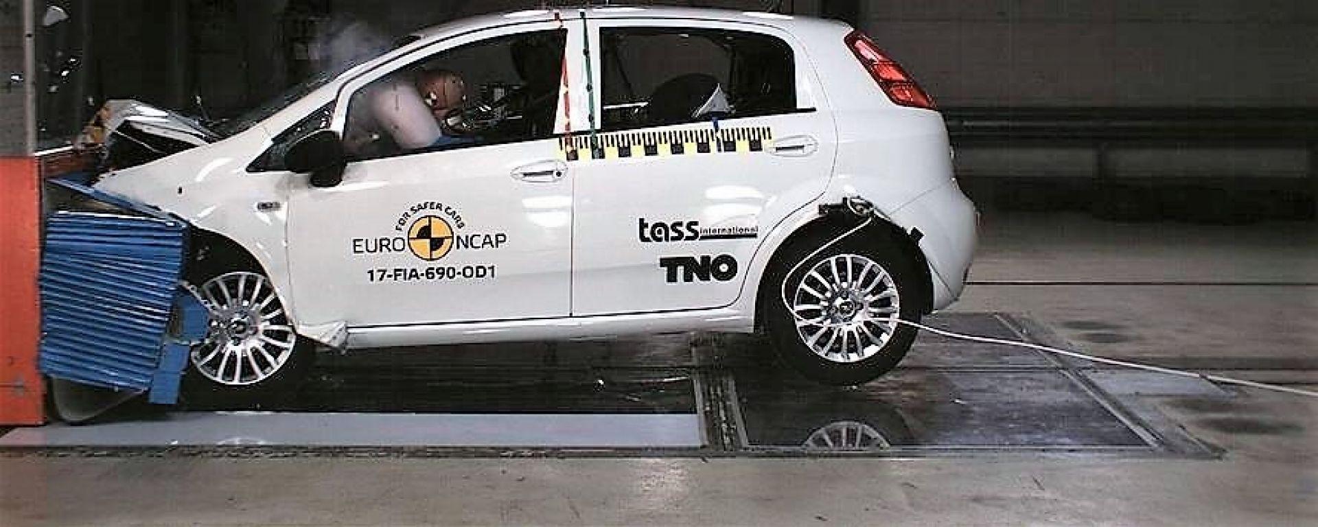 Fiat Punto ai crash test EuroNCAP