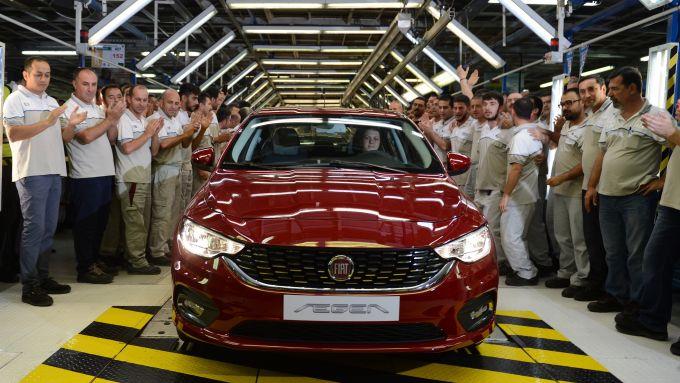 Fiat Tipo esce dalle linee di produzione dell'impianto Tofas di Bursa