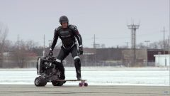 Ford 1.0 EcoBoost: c'è Ivan Drago sullo skateboard a motore (video) - Immagine: 1