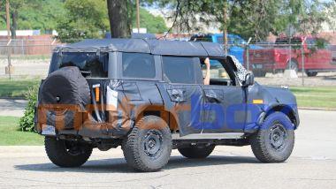 Ford Bronco: il muletto vista 3/4 posteriore