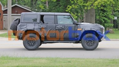 Ford Bronco Raptor 2022: visuale laterale