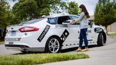 Guida autonoma per la consegna delle pizze: l'idea di Domino's e Ford