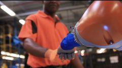 Ford e Kuka Roboter creano i Co-bot: partner degli operai   - Immagine: 3