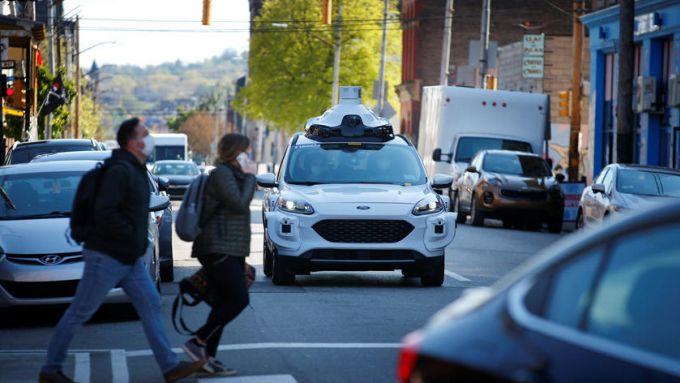 Ford e Volkswagen per la guida autonoma: la Ford Escape (Kuga in Europa) nei test su strada
