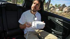 Ford Edge: grazie alla presa elettrica Mark Grylls mangia un pasto caldo