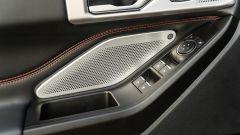 Ford Explorer PHEV ST line 2020: i comandi sul pannello porta lato guida