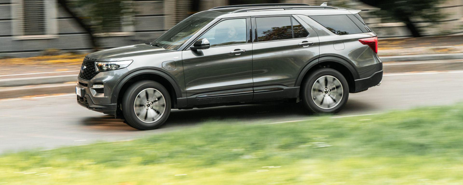 Ford Explorer PHEV ST line 2020: la prova su strada