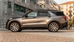 Ford Explorer PHEV ST line 2020: vista laterale