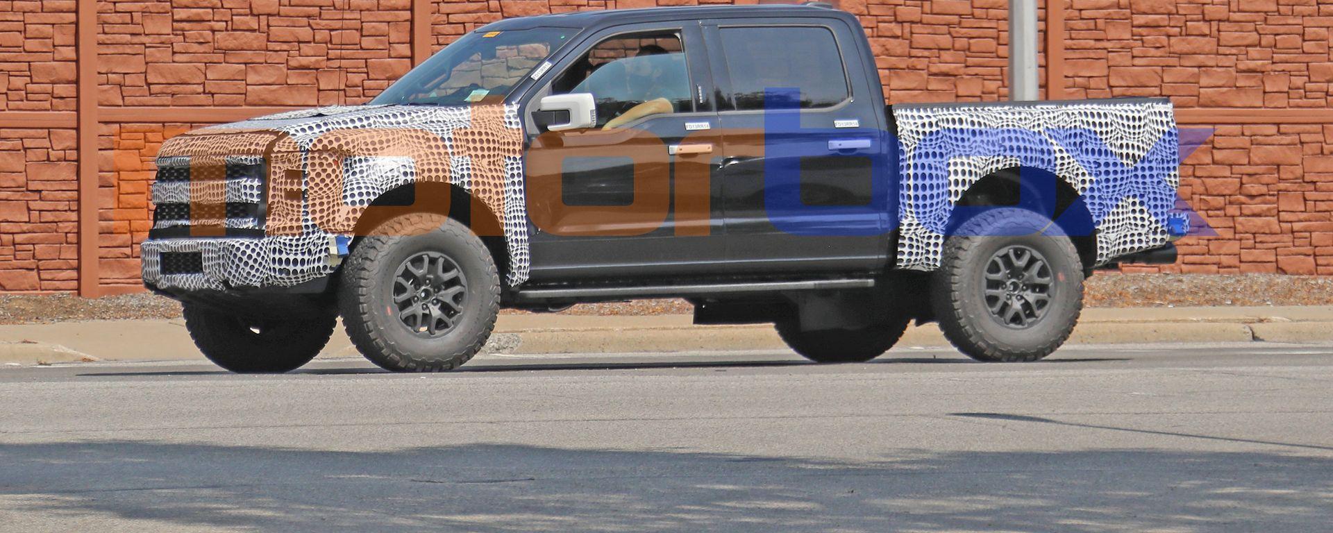 Ford F150 Raptor 2021: il pick-up americano su strada