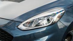 Ford Fiesta 1.0 Ecoboost Hybrid 125 CV ST-Line, il gruppo ottico anteriore