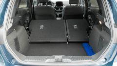 Ford Fiesta 1.0 Ecoboost Hybrid 125 CV ST-Line, il piano di carico con i sedili posteriori abbattuti