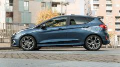 Ford Fiesta 1.0 Ecoboost Hybrid 125 CV ST-Line, vista laterale