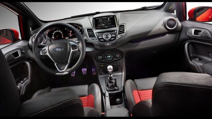 Immagine 11: Ford Fiesta ST 2013