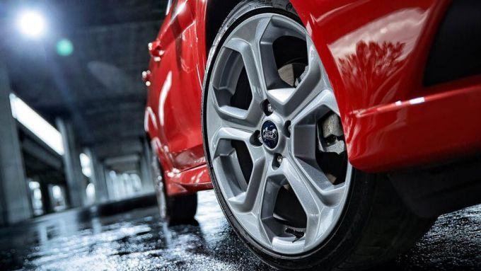 Immagine 10: Ford Fiesta ST 2013