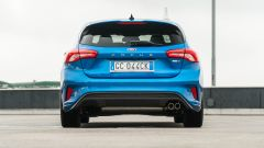 Ford Focus 1.0 EcoBoost Hybrid ST Line X, il posteriore