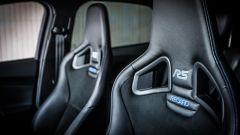 Ford Focus RS: i sedili sportivi Recaro avvolgono bene pilota e passeggero