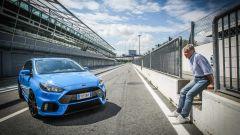 Ford Focus RS: in pista con 350 cv (e uno strano ospite) - Immagine: 5