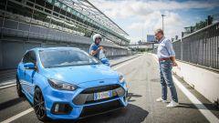 Ford Focus RS: in pista con 350 cv (e uno strano ospite) - Immagine: 6