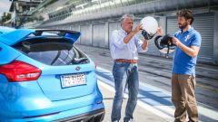 Ford Focus RS: in pista con 350 cv (e uno strano ospite) - Immagine: 14