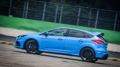Ford Focus RS: in pista con 350 cv (e uno strano ospite) - Immagine: 25