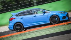 Ford Focus RS: in pista con 350 cv (e uno strano ospite) - Immagine: 30