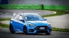 Ford Focus RS: in pista con 350 cv (e uno strano ospite) - Immagine: 31