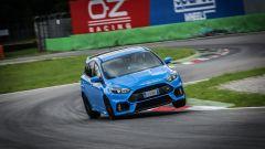 Ford Focus RS: in pista con 350 cv (e uno strano ospite) - Immagine: 33