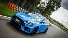 Ford Focus RS: in pista con 350 cv (e uno strano ospite) - Immagine: 35