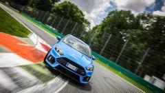 Ford Focus RS: in pista con 350 cv (e uno strano ospite) - Immagine: 39