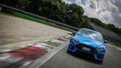 Ford Focus RS: in pista con 350 cv (e uno strano ospite) - Immagine: 40