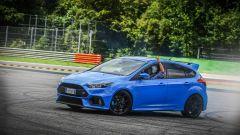 Ford Focus RS: in pista con 350 cv (e uno strano ospite) - Immagine: 43