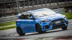 Ford Focus RS: in pista con 350 cv (e uno strano ospite) - Immagine: 48