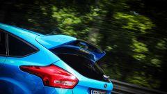Ford Focus RS: in pista con 350 cv (e uno strano ospite) - Immagine: 49
