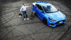 Ford Focus RS: in pista con 350 cv (e uno strano ospite) - Immagine: 55